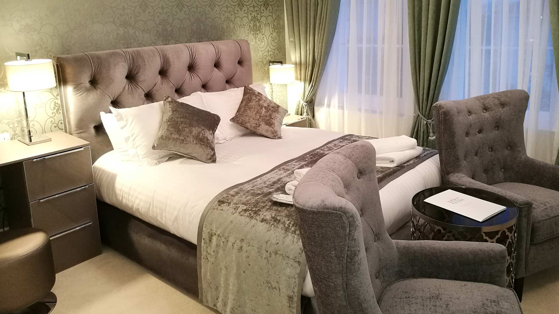 Azurro Signature Suite